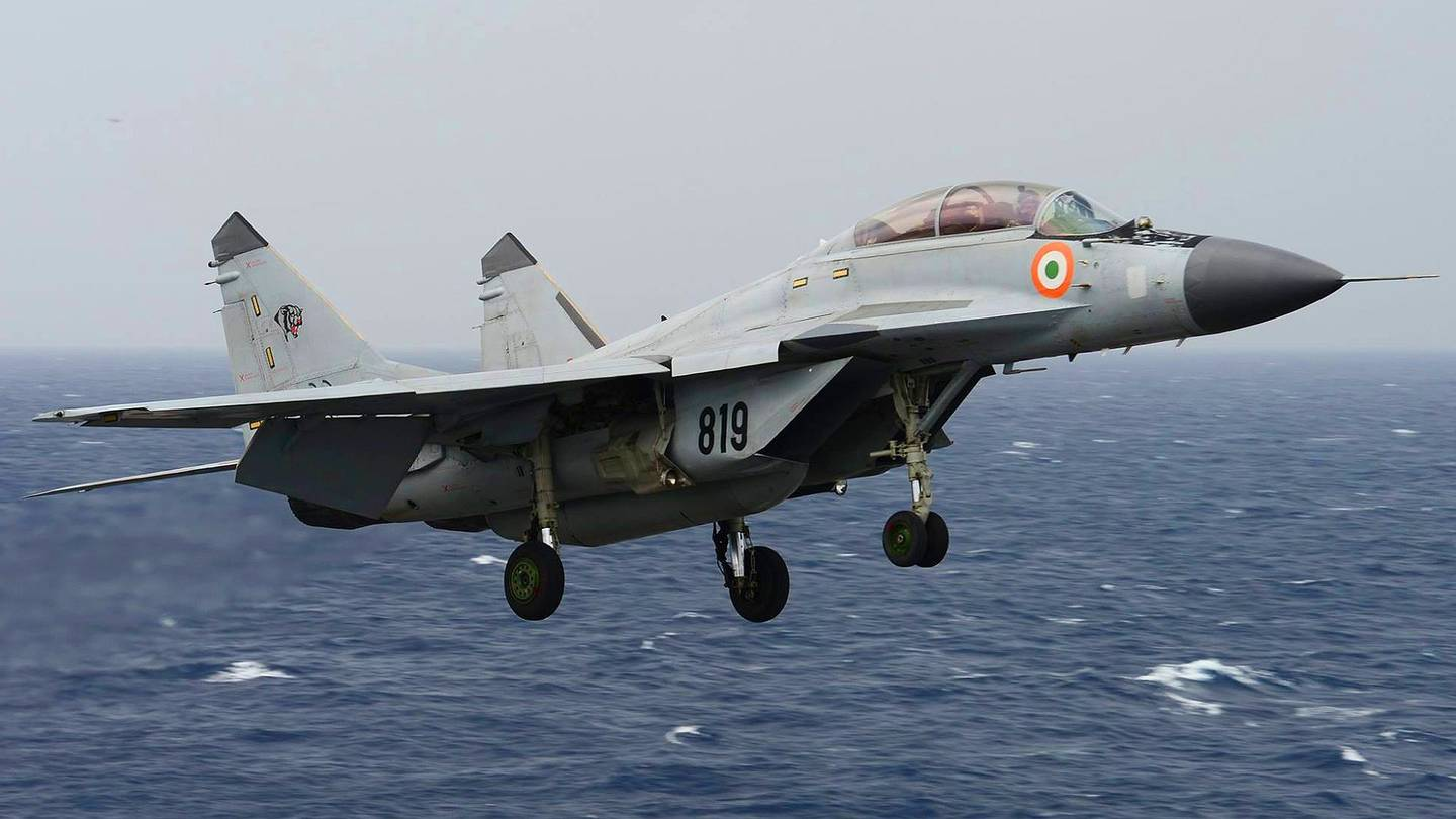 Indian Aircraft Carrier - Indian Navy MIG 29K